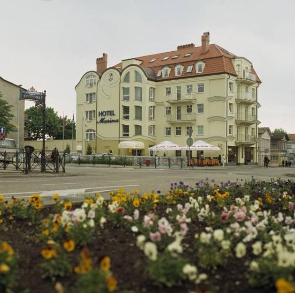 Marina-budynek-ladne
