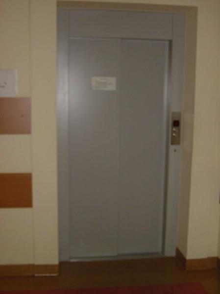 Drzwi-szybowe-zamkniete
