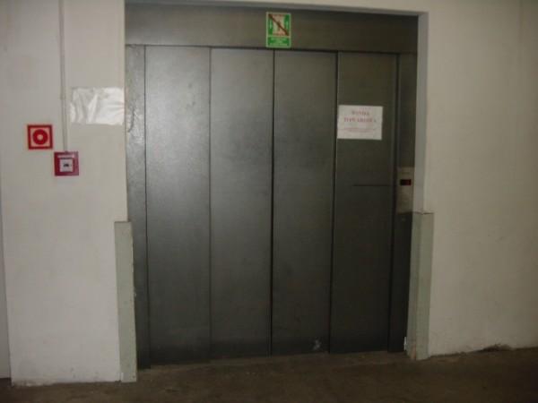 drzwi-towarowe-Kupiec
